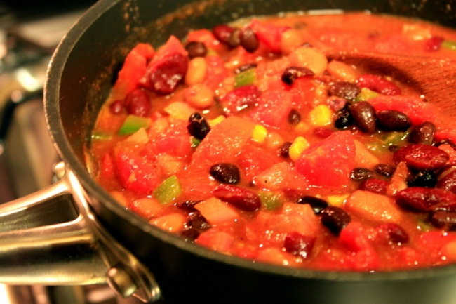 veggie chili in pot