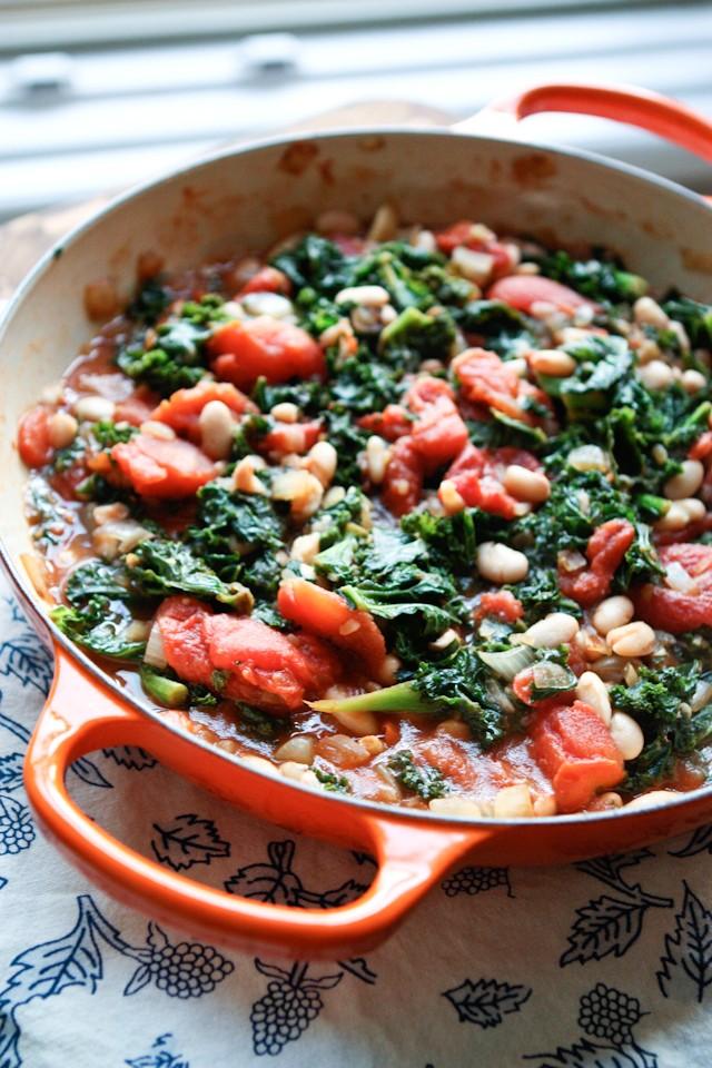 kale-tomatoes-white-beans-tomato-wellness-640x960